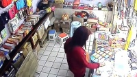 山西柳林人民市场偷我钱包的女贼,是本地人 。大家帮我认一下。