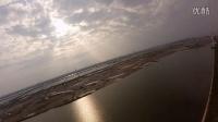 视频: 启东海边黄金沙滩FPV飞行 QQ834581271