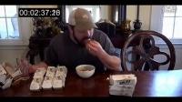 作死男挑战6分钟内吃下18个玉米饼