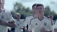 视频: 【弧线球】耐克经典30部广告之- DFB Kampagne. schneller ins trikot.