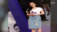 视频: 辣妈杨幂出席公益活动人气爆棚 与粉丝互动超亲民
