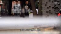 视频: 张翰打扮新潮与友就餐 豪车代步耍酷