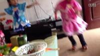 两个小魔仙跳小苹果舞蹈