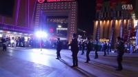 银川万达广场超强伴郎团携数十辆豪车轰动求婚!2014年9月27日感动现场无数人!
