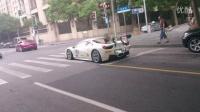 上海街头法拉利  气浪帅到没朋友……