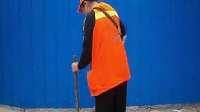 学习会声会影快乐的清洁工1:04(路后兰色围板背景)