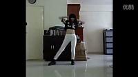 韩国美女紧身白裤热舞