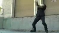 逗比 这俩人跳小鸡小鸡舞蹈 控制不住了 墓地新版僵尸舞