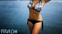 """【haha9】哈哈视频  乌克兰女模34K人造胸获封""""顶级自然美"""""""