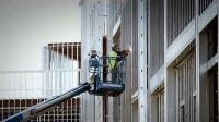 CS663电焊工 消防梯上焊接建筑  影视高清视频素材1080P