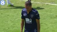 有必要吗?!乌拉圭赛场球员门线脚后跟破门戏谑对手