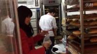 悠悠背包公益-贵州台江暖冬行动纪实-奥特曼蛋糕店爱心老板-芝麻拍客