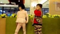 150205与姐姐在京华城吃西多士3