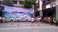 热门:美女齐跳广场舞 最火江南style骑马舞[高清]