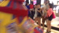 视频: 澳门金沙城梦工厂巡游