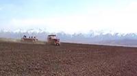 视频: CA802拖拉机施肥作业