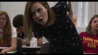 【发现最热视频】彪悍的美女!上课时想上厕所老师又不让去怎么办