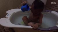2周岁9个月,小屁屁冼澡