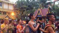 云南西双版纳傣族美女跳舞