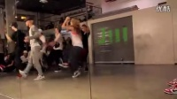Kyle Hanagami  Ian Eastwood  Sexy And I Know It_标清