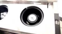 某品牌抽油烟机更换内烟腔后,右涡轮旋转状态。