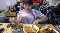 40奔驰哥老视频,微信:cnzdch——大胃王吃出个未来·韩国女主播吃货韩国吃饭直播真的是什么都吃,大胃王减肥美食视频美食人生大学生做菜