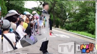 韩国明星情侣裴勇俊和朴秀珍的婚礼下午在首尔华克山庄举行