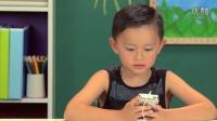 熊孩子面对第一代 iPod 时的反应