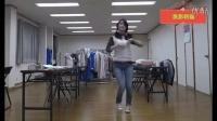 牛仔裤美女中学生漂亮舞蹈表演