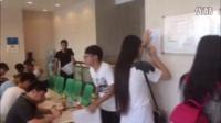 [现场]天津血站市民积极献血 共筑爱心救助受伤市民