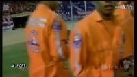 足球搞笑视频 当动物们奔驰在球场上后