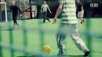 篮球和足球在一个球场进行时,画面美腻_标清