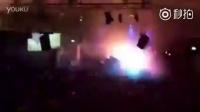 DJ得罪了灯光师的下场。。。闪瞎你的狗眼!