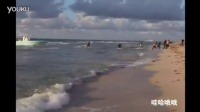 【哇哈哦哦】美女海滩拍写真意外拍下偷渡客登陆全程 国产刺激对白720lu相关视频