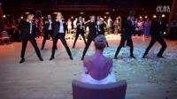 新郎在婚礼上的精彩热舞