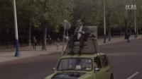 纪念憨豆先生开播25周年,憨豆先生再现汽车顶上坐沙发