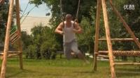 街头极限健身俄式挺身接倒立、并腿俄式俯卧撑训练Dominik Sky_标清