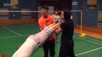 红桥体育教师技巧培训之靠墙手倒立01
