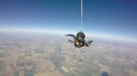 Mimi Du 高空跳伞