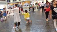 南昌玲玲广场舞在澳门赌场拍摄人造天空
