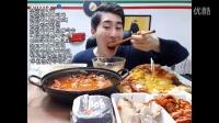 【微博@学姐宿舍】实诚男子MBRO吃播150928-披萨+汉堡+包肉+面条+血肠汤