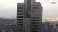 日本地震时左右摇摆的摩天楼