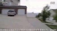 视频: 【搞笑视频】速度与激情 骚年玩三轮车漂移出车祸httP www.halou123.com index.html