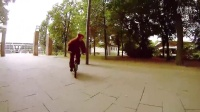 视频: TEN 180 Bunnyhops in a row! Woozy BMX Bear goes crazy!