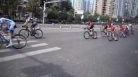 视频: 【拍客】2015环中国国际公路自行车赛重庆站11日举行_标清