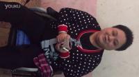 金公主团队残疾人总代湘湘接受付爱宝慈善基金捐助