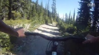 视频: Whitefish Montana Downhill Mountain Biking - Runnaway Train#高山自行车运动151112
