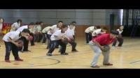 初中八年级体育《篮球持球交叉步突破》教学视频,高中体育名师工作室教学视频