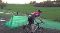 视频: How To Ride Mud Like A Pro - Cyclocross Skills