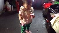 一岁,蔡羽茉喝红枣酸奶